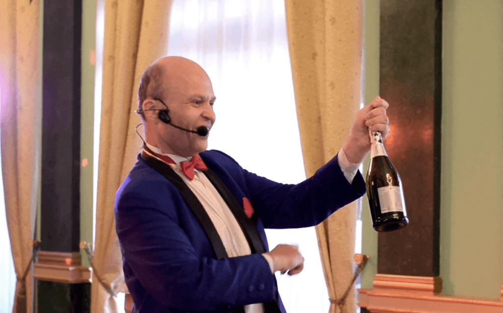 Шампанское из воздуха для праздника.